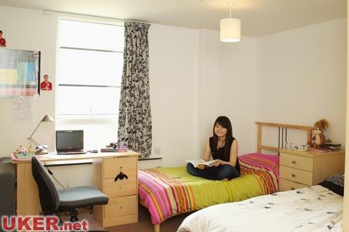 高中女生卧室装修